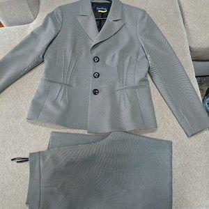 Evan Picone pant suit set